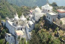 8 Tourist Attraction in Mount Abu, Must Visit / Located near the Sirohi District, Mount Abu is the only hill station in Rajasthan. It lies in the Aravalli mountain range at an approximate elevation of around 1,220 meters above sea level, with its highest point being 'Guru Shikhar' which is at a height of 1,722 meters above sea level. Here are the eight places to visit in Mount Abu.