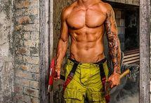 Australian Men / by Nevaeh B