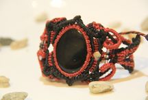 LatinChic / Be simple, cool and chic by wearing handmade accessories from Latin America (Colombia). Leather/Wool Necklaces-Bracelets with precious stones.