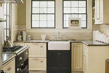 Kitchens / by Jenna Sagen