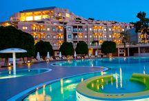 Hilton Bodrum Türkbükü Resort&Spa / Cennet koyunun yemyeşil ormanında unutamayacağınız bir tatil yaşamanız için sizleri Hilton Bodrum Türkbükü Resort Spa'ya bekliyoruz.