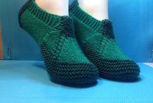 Sapatos polainas e luvas