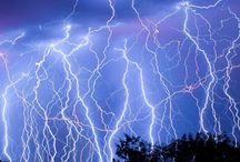 If The Thunder Don't Get You Then The Lightning Will / Amazing lightning pictures