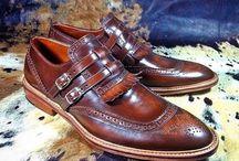 Shoes & Boots / Scarpe, stivali, sandali.