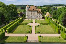 Chateau de Vascoeuil / Замок Васкей / Еще один этап моей поездки: Chateau de Vascoeuil / Замок Васкей. Воссозданное в 1965 г. это имение было превращено в музей истории искусств под открытым небом, где посетители могли бы слиться с современным искусством, гуляя при этом по его раскошным классическим садам. Подробнее: http://www.cecile.ru/index.php/about/64-poezdka-po-sadam-normandii-s-15-po-18-06-2017
