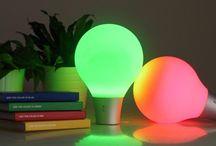 Lámparas de mesa / Modernos modelos de lámparas para colocar sobre una mesa. Diseños de los mejores creadores del panorama internacional, algunos de ellos incorporando lo último en tecnología LED.