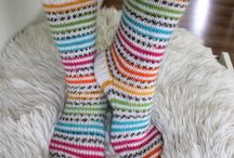 Villasukka / Neulottuja sukkia.