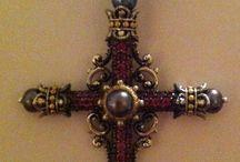 Jewelry I Love / by Julia Richards Cochran
