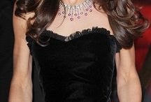 Celebrity jewelry. / The jewelry styles of the rich and famous.