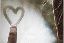 L'amore fa dei giri immensi / Una storia d'amore inusuale, che abbatte il muro del luogo comune...