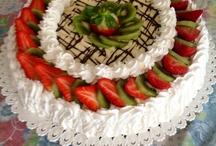 Pandispagna  con crema chantilly , panna e frutta fresca / I Dolci di Maria Rita
