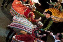 Néptánc - Folk-dancing