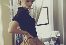 Taylor Swift / I love her style and makeup <3