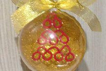 sfere natalizie varie / creo sfere personalizzabile con nome a punto croce, e poi alberelli fiocchi di neve ecc a chiacchierino