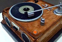 record player cakes