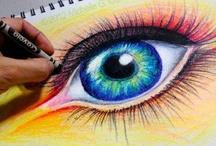Dibujos con crayones.