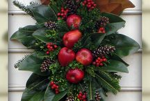 Centerpieces, Wreaths, Traditional Colonial Williamsburg