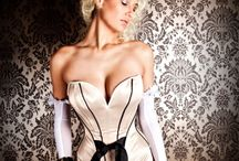 Corsets, oh how I love them <3