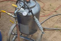 Sandblasting / Sandblasting equipment and techniques.