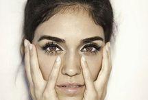 Maquillage / by Khaddafina