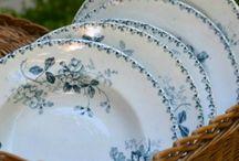 blåvitt porslin/tallrikar