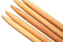 Strikkepinner / Trepinner, metallpinner, firkantede pinner, runde pinner, tykke pinner, tynne pinner - alle mulige slags strikkepinner!