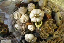 Kreatív újrahasznos: dekoratív textilcsokrok Zsuzsától |