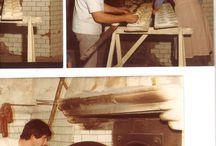 La nostra storia / Il nostro panificio è nato nel 1978, dopo aver rilevato un vecchio forno a legna a Lugo di Vicenza. Consapevoli del valore di un antico sapere, lo abbiamo voluto preservare nel tempo, continuando ad impiegare le farine macinate a pietra, una lavorazione manuale del pane, la pasta madre per la lievitazione e il forno a legna per la cottura. Nel 2008 abbiamo aperto un forno dedicato esclusivamente alla produzione di pane e prodotto da forno senza glutine: sono prodotti freschi e senza conservanti