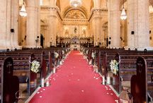Church Weddings - Bodas en Iglesias / Religious ceremonies beautifully decorated with candles and flowers. No matter the type of church or religion, catholic or not, you can find your deco inspiration here. In Cuba, designed and decorated by Aire de Fiesta. /Ceremonias religiosas bellamente decoradas con velas y flores. Sin importar el tipo de religión o iglesia, puedes encontrar tu inspiración aquí. En Cuba, diseñado y decorado por Aire de Fiesta
