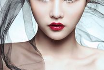 Glam Red Lips / Red lips in a more glamorous setting
