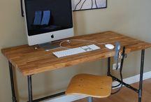 Desk / null