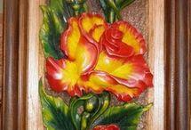 cuadros tallados en madera