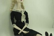 love for art dolls / by Penny Webb