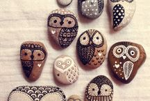 Rock art owls / Rocks