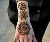 Hand's tattoos