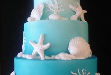 Cakes, Cupcakes, & More / by Leah Alcorn