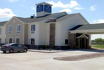 Schuyler, NE Cobblestone Inn & Suites / Whether you are in town on business or leisure, the Cobblestone Inn and Suites is Schuyler, Nebraska has many wonderful features for you to utilize. Featuring 40 inch flat-screen televisions, Wolfgang Punk Coffee Service, refrigerators and microwaves in each room, complimentary WiFi access throughout, beautiful whirlpool suites and so much more to enjoy. The Cobblestone Inn and Suites in Schuyler, Nebraska is also pet-friendly; fees apply.