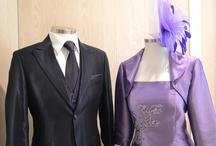 como hacer nudo de corbata americano o nudo simple paso a paso / El nudo de corbata americano o nudo simple es uno de los nudos de corbata mas utilizados por los mas jovenes,  su forma conica y asimetrica aporta esbeltez y un aire desenfadado, su facilidad y versatilidad en diferentes texturas hace de este nudo el mas usado por los invitados de la boda,mas nudos de corbata, noticias, vestidos de novia, fiesta, madrina, novio y complementos en  www.youtube.com/... ¡¡¡ GRACIAS POR TU INTERES EN GIANCARLO NOVIAS PARLA-MADRID !!! www.vestidosnoviaparla.es