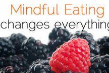 MINDFUL EATING / Mindful Eating è mangiare in consapevolezza. Significa innanzitutto sviluppare un buon rapporto con il cibo, cercare di non sentirsi in colpa per avere o non avere cibo, e apprendere la capacità di perdonarsi ed essere compassionevoli verso se stessi.
