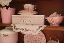 V. Vintage Kitchen / Early 20th Century Kitchens / by Theresa Steele