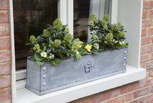 Gorgeous garden planters & window boxes / Gorgeous garden planters, water butts and window boxes
