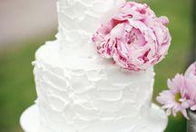 Wedding cakes / by Kristine Almada