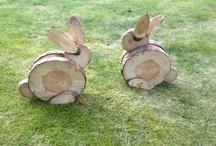 Зайцы из бревна
