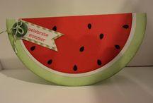 Rød som vannmelon