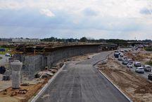 Węzeł Salomea w ciągu S8 w Warszawie / Węzeł Salomea w dzielnicy Ursus w Warszawie, w ciągu odcinka Salomea – Wolica drogi ekspresowej S8, stanowić będzie łącznik pomiędzy drogami ekspresowymi S7, S8 i Południową Obwodnicą Warszawy S2 oraz miejskim układem komunikacyjnym Warszawy. W ramach realizacji węzła, ULMA dostarcza sprzęt do budowy 7 obiektów inżynieryjnych. Obecnie realizowane są trzy z nich: WA01A, WA01B oraz WD03. Budowa węzła ma być zakończona jeszcze w 2013 roku.