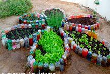 hortas cercada com garrafas Pet.