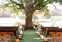 FALL | Style by Season / Embrace the changing colors of fall by incorporating them into your wedding!