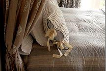 Bedroom inspiration / Van standaard functioneel naar romantiek en elegantie. Slaapkamer inspiratie met veel vrouwelijke accenten voor een eigentijds boudoir.