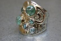 Ringen met edelstenenringen