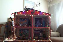 Disney Christmas dollhouse / by Doris Montoya